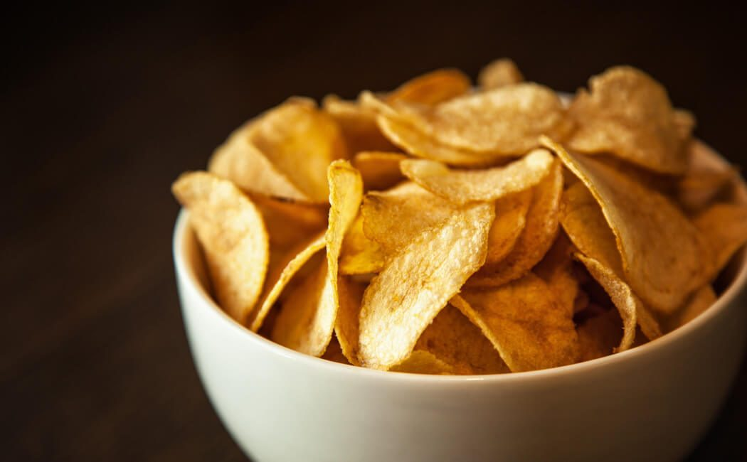 A bowl of crisps
